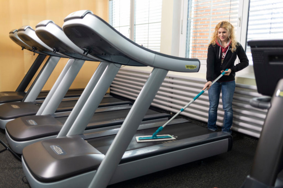 how to clean treadmill